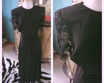 Vintage 1930s style Dress black lace formal swing deco goth 1940s M L 30s 40s