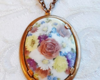 75% Off Sale, Mother's Day Bouquet, Vintage Glass Cameo Necklace