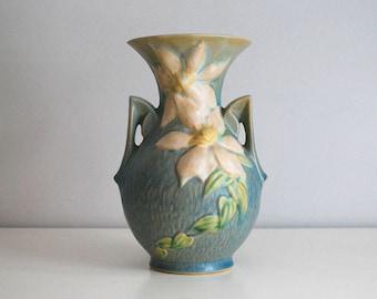 Roseville Clematis Vase, 1940s Pottery Vase, Fine Art Ceramics, Blue Art Pottery, White Flower Pot, Cottage Chic Decor, 109-9 Vase