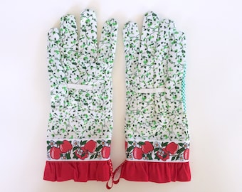 Designer Garden Gloves - As seen in Better Homes and Gardens DIY Magazine and Mother Earth Living Magazine - Red Apples