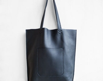 SALE Leather Arrow Tote in Black  / Leather Tote Bag  / Black Tote Bag / Leather Handbag / Black Leather Tote / Leather Handbag / Black Bag