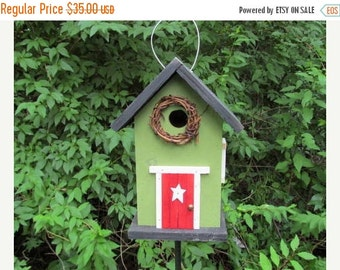 ON SALE Grapevine Wreath Primitive Birdhouse Green Red Fully Functional