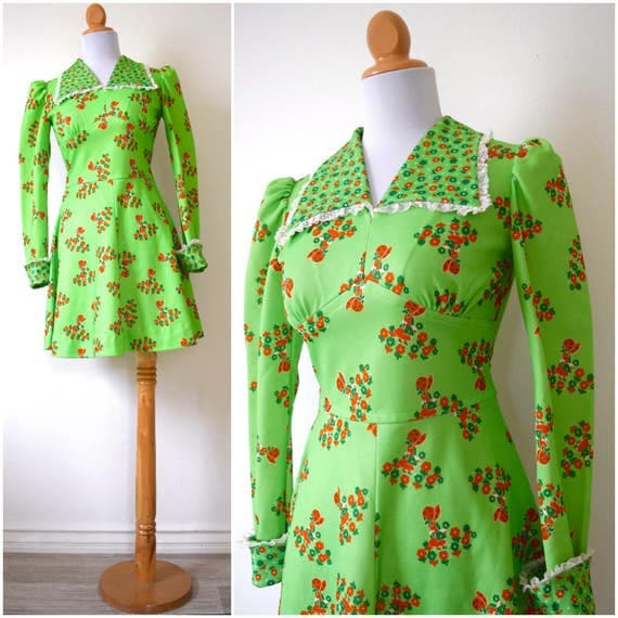Vintage 60s 70s Holly Hobby Novelty Print Lime Green Mini Dress (size xs, small)