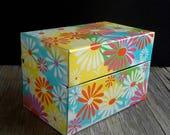 Flower Power Groovy Recipe File Box Retro Graphics Daisy Syndicate Mfg Metal Litho