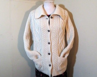Chunky Cable Sweater Vintage Irish Fisherman Sweater Wing Collar Pockets Irish Wool knit Cardigan jumper sweater traditional sweater M