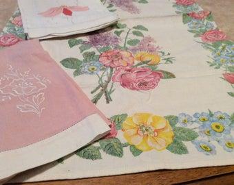 Vintage Linen Value Bundle Three Peach Pink Floral Towels VB13