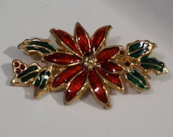 Vintage Gold Poinsettia Christmas Pin, Flower, Christmas Flower Pin, Holiday Scarf Pin retro 70's- 80's  X-Mas collectible jewelry