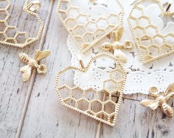 5 pcs Open Bezel Charm / Honeycomb / Bee (29mm) AZ515