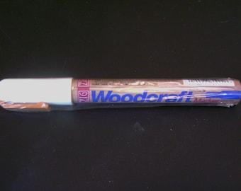 Woodcraft by ZIG Marker - White - Extra Fine - Waterbased
