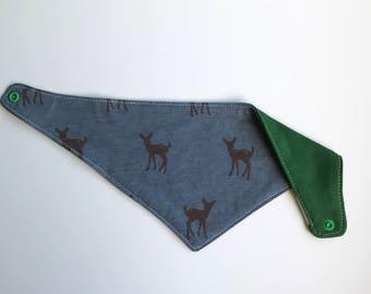 Bandana bib reversible Forest green/ deer