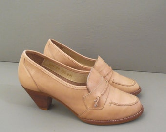 80's vintage moccasin loafers // chunky heels // camel tan leather // size 7