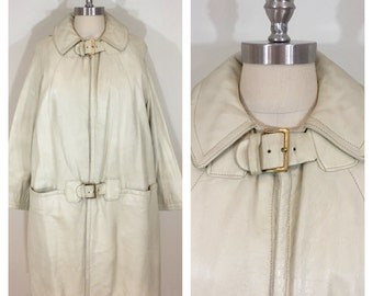 60s MOD Light Gray Faux Leather A-line Coat with zip out faux fur lining, Size Medium to Large