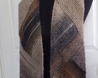 Handknit Statement Scarf Triangle Patterned Wool Blend in Neutural Tones