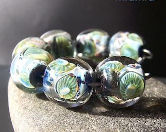 MruMru lampwork beads.