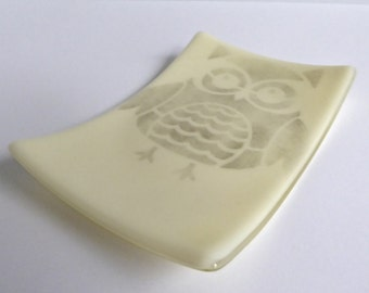 French Vanilla Fused Glass Owl Plate by BPRDesigns