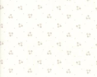 Lily Will Revisited Cream Gray floertd fabric | Moda fabric 2807 27 | Cotton Quilting fabric