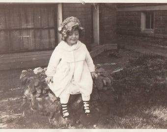 Original Vintage Photograph Snapshot Small Girl Sunbonnet Sitting Outdoors 1920s