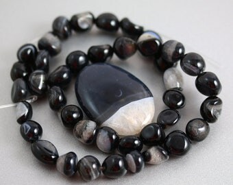 Druzy Agate Beads - Pendant and Strand - Druzy Agate - 10mm strand 38mm Focal