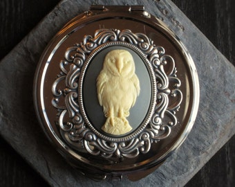 Owl compact mirror, cameo compact mirror, woodland compact, animal compact, bridesmaid gift, holiday gift ideas, unique Christmas gift