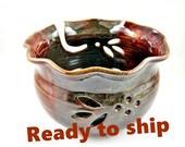Large Yarn bowl, Knitting bowl, handmade ceramic yarn bowl, pottery knitting bowl - In stock
