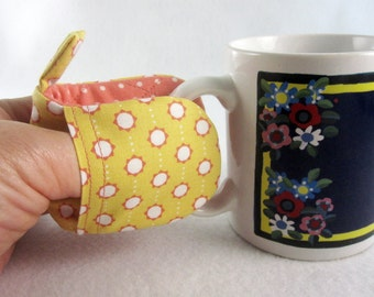 Hot Holders Microwave Oven Finger Mitts -  Yellow Circle and Dots, Yellow, Pink, White, Magnetic Pot Holders, Mini Pot Holder, Finger Mitt