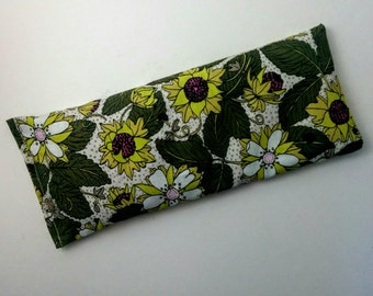 Organic Cotton Eye Pillow  - Yoga pillow - Yoga eye pillow - unscented or with lavender - GOTS organic cotton - green wild strawberry print