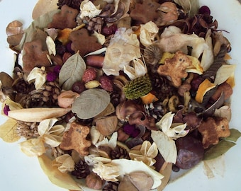 Teddy Bear Hugs Country Potpourri, Brown Bears, Scented, Rustic Decor, Country Decor, Room Scent, Refresher Oil Included
