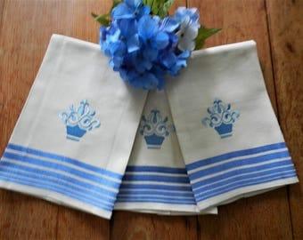 3 NOS Guest Towels, Blue Guest Towels, Machine Embroidery, Blue Linen Towels, Blue Hand Towels