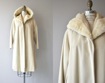 Wonderland coat | vintage wool and fur clutch 50s coat | cream wool 1950s coat
