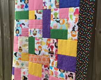 Girl Friends by Ann Kelle - Unfinished baby Quilt Top - girlfriends - Robert Kaufman 42x52 in / girlfriends / gift for her / ready to quilt