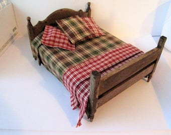 Dollhouse Bed, Double bed,  country style, homespun spread, country look, , dollhouse miniature, twelfth scale,