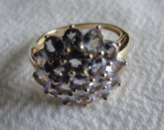 Vintage tanzanite and 14k yellow gold ring size size 7