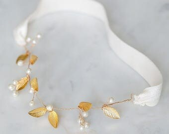 Gold Leaf Bridal Garter | Pearl Vine Boho Garter | Ivory Bridal Garter | Wedding Garter with Leaves [Adelia Garter]