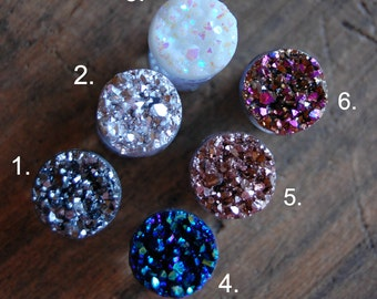 Faux Druzy Rough Crystal Plugs Gauges for stretched earlobes.Sizes 0g (8mm), 00g (10mm), Half inch (12mm). Purple, white, pink Druzy