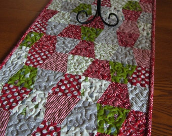Holly's Tree Farm Christmas Red And Green ThimbleTable Runner, Christmas Table Topper, Christmas Tumbler Table Runner