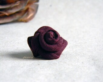 Men lapel pin. Lapel stick pin. Boutonniere. Flower lapel pin. Wool. Sangria red.