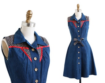 vintage 1970s dress / 70s dress / Denim Dress with Bow