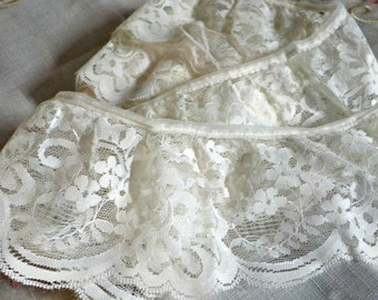 Vintage Wide White Lace - Lace Trim - Lace Edging - Floral Pattern 172 inches  long - 1950 Era