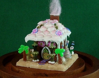 Gingerbread Beach House with Display Dome and Gift Box