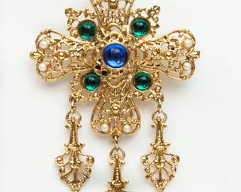 1990s Retro Victorian Gold Tone Filigree Sapphire & Emerald Lucite Cabochon 4 Point Cross Vintage Pin Brooch