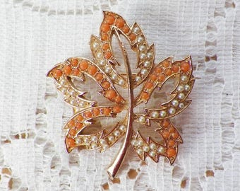 Delicate Vintage Leaf Pin / Brooch / Broach with Little Peach / Peachy Orange Balls and Tiny Faux Pearls, Maple Leaf Shaped, Gold Tone Metal
