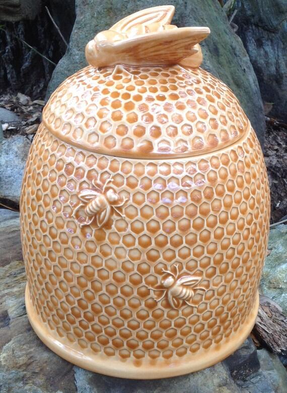 Cookie jar bee hive amber ceramic made in usa handmade - Beehive cookie jar ...