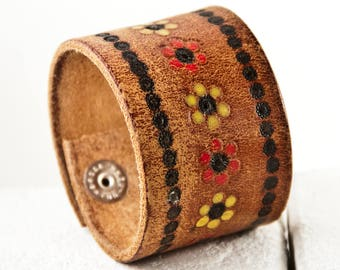 Hippie Braclet Tooled Leather Flower Power