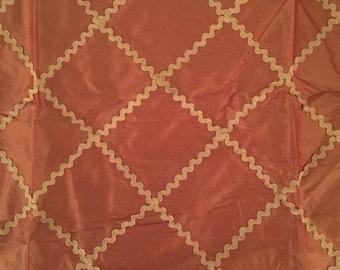 SCHUMACHER Fabric Rick Rack Diamond in Terracotta