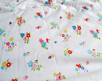Vintage Bed Sheet - Red and Blue Wildflowers - Queen Flat