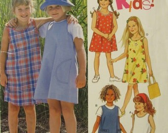 New Look 6739/Uncut Sewing Pattern/Girls Jumper or Sundress/Size 3-8/2002