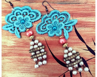 ON SALE Womens Japanese Geisha Inspired Vintage Lace and Pearl Dangle Earrings in Aqua Blue, Pink, Gold