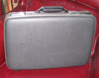 Slim American Tourister briefcase, REDUCED