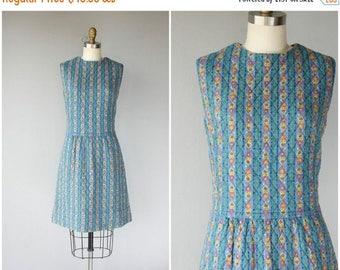 25% OFF FLASH SALE.. 1960s Dress | 60s Dress | 1960s Folk Print Dress | 60s Day Dress | 1960s Shift Dress | 60s Quilted Shift Dress