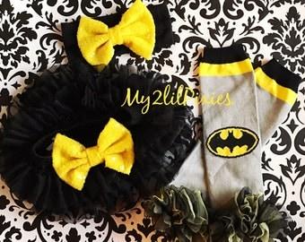 Batman leg warmers , baby girl batmam, Black tutu Bloomers, Baby Girl Headband, Bee leg warmers, Chiffon tutu, yellow and black,  sequins bo